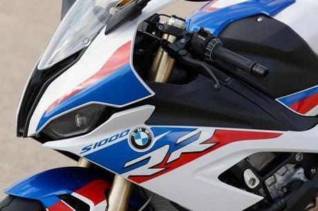 Na configuração M, só na na cor exclusiva da divisão esportiva da BMW