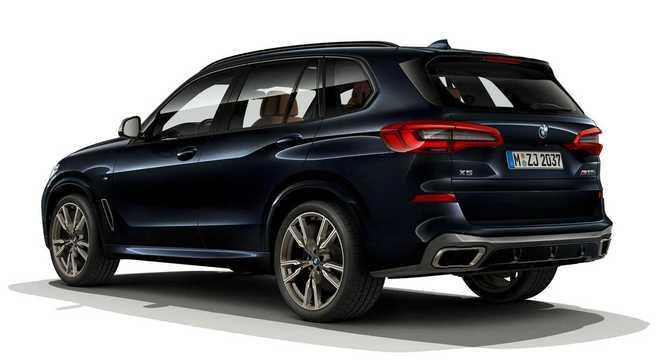 BMW X5M à venda por R$ 628,9 mil no país: motor é o V8 4,4 litros biturbo