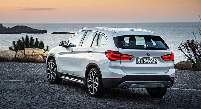 A BMW iniciou hoje uma campanha de recall dos veículos BMW X1 sDrive20i X Line e X2 sDrive20i M Sport X
