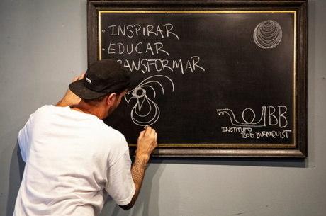 Lema do Instituto: Inspirar, Educar e Transformar