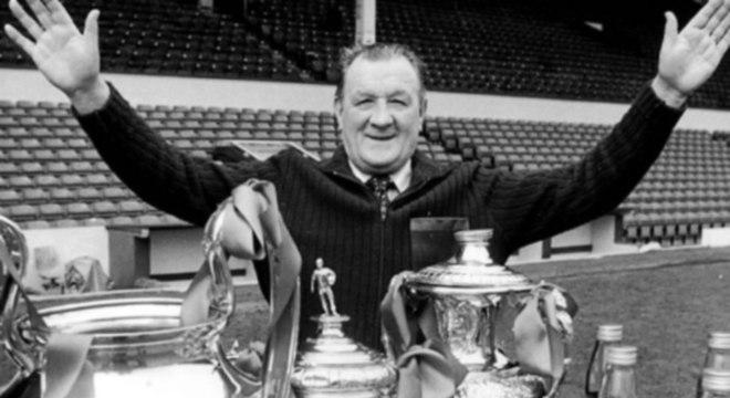 O treinador Bob Paisley se tornou lenda no Liverpool ao vencer a Champions de 1981