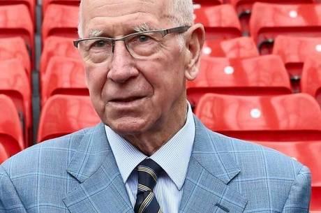 Bobby Charlton é diagnosticado com demência