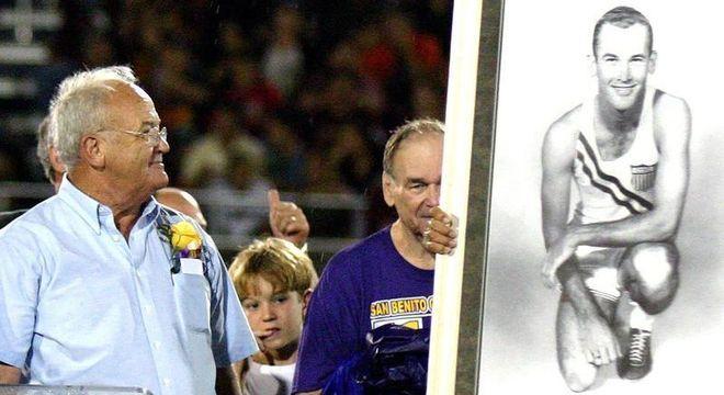 Em 2006, Morrow e o seu retrato nos Jogos de Melbourne/1956,