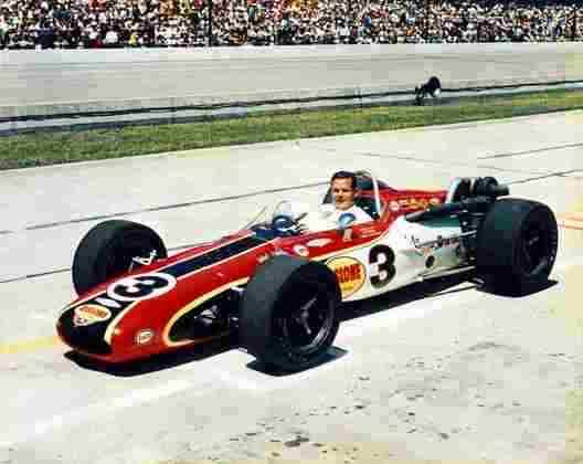 Bobby Unser, irmão de Al Sr, venceu em 1968, 1975 e 1981