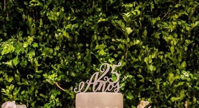 Bodas de prata bolo bonito e sofisticado