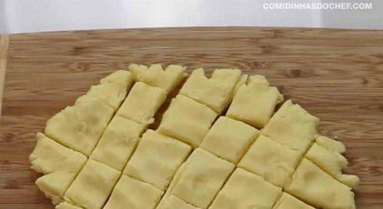 Bolinha de Mussarela 3 Ingredientes