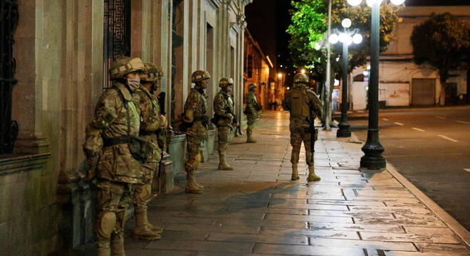 Militares na Bolívia podem garantir cumprimento da quarentena
