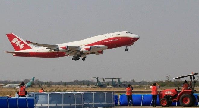 Boeing 747 Supertanker é o maior do tipo no mundo