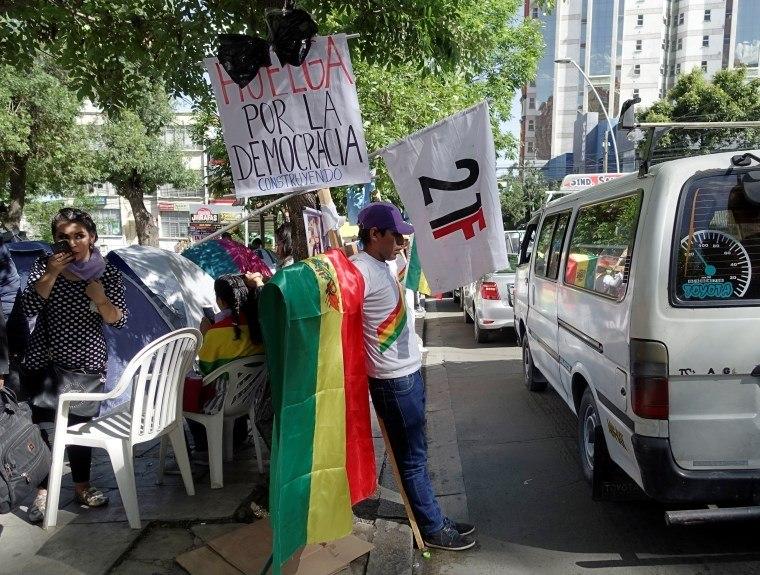 Bolívia tem protestos em oito capitais e na fronteira com o Brasil