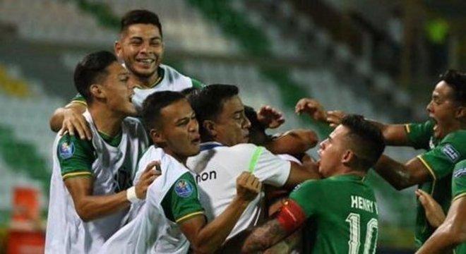 A alegria dos garotos da Bolívia pelo susto que pregaram no Brasil