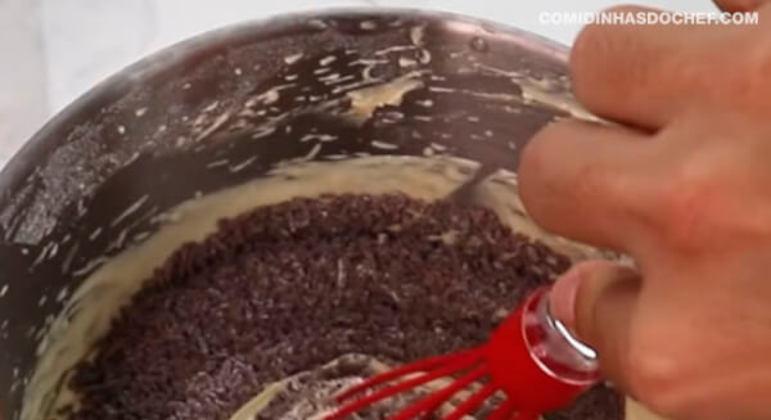 Bolo Com Granulado de Chocolate