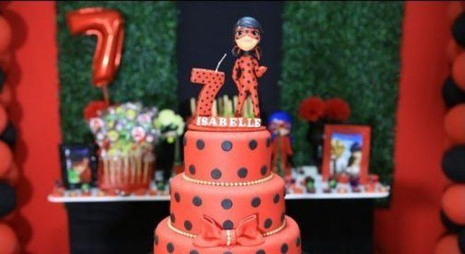 Bolo para festa ladybug