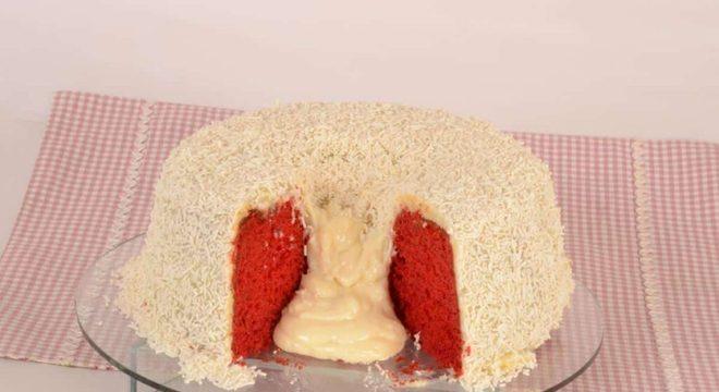 Bolo vulcão de Red Velvet