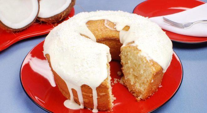 bolos de coco diferentes