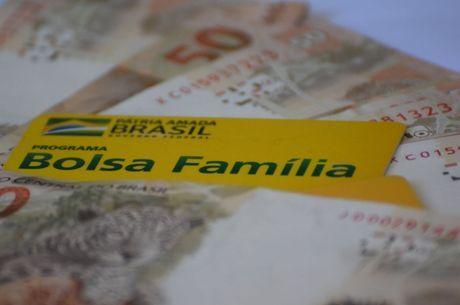 Governo deve incluir 6 milhões no Bolsa Família após fim do auxílio