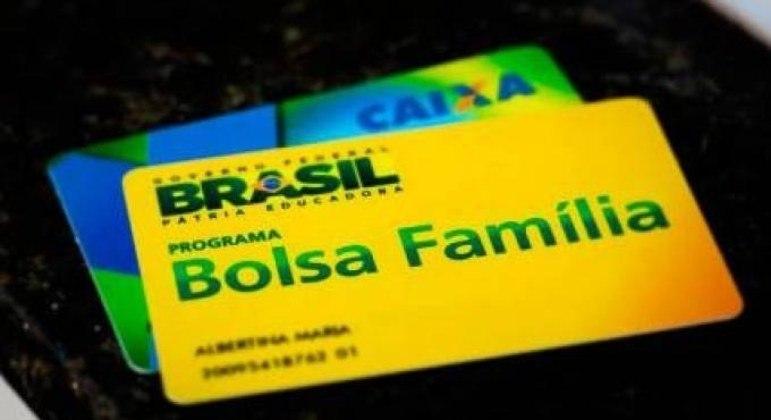 Governo estuda reajuste no Bolsa Família