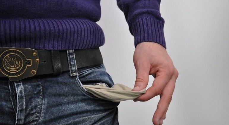 Taxa de juros mais alta diminui consumo e aumenta rendimento de aplicações