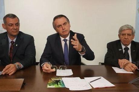 Bolsonaro durante vídeo ao vivo nas redes sociais
