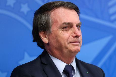 Bolsonaro passou por cirurgia de correção de hérnia