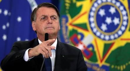 Bolsonaro diz que gostaria de mexer em tabela do IR