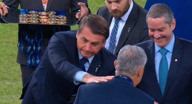 Jornal espanhol crava que presidente quer treinador mais alinhado com ele. Renato Gaúcho
