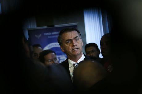 Bolsonaro vai fechar embaixadas ociosas