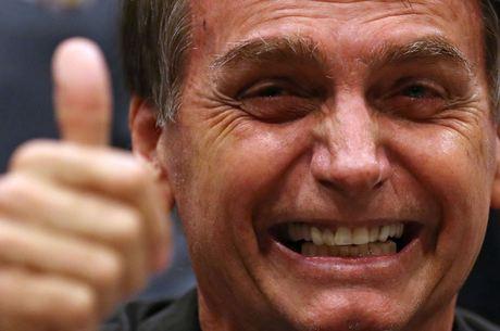 Bolsonaro lidera todas pesquisas de intenção de votos