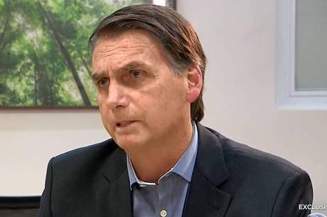 Bolsonaro sai em defesa do filho Carlos