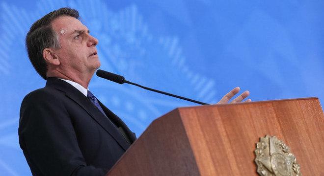 Bolsonaro modifica medida provisória que muda Código Florestal
