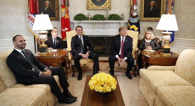Eduardo e Bolsonaro se reuniram com Trump em março de 2019