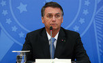 Bolsonaro diz que pedirá ao Senado processo contra Moraes e BarrosoVEJA MAIS