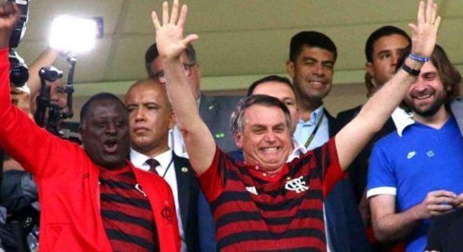 Bolsonaro promete estar no Maracanã. Com a camisa do Flamengo