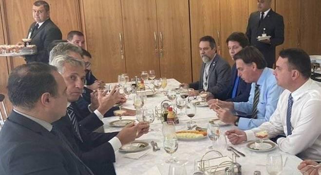 Almoço dos dirigentes com o presidente Bolsonaro e seu filho Flávio