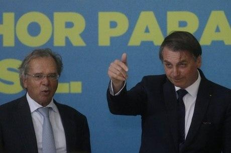 Bolsonaro vê 'casamento' com Guedes 'mais forte do que nunca'