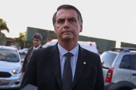 Bolsonaro lamenta ausência de PT e PSOL na posse