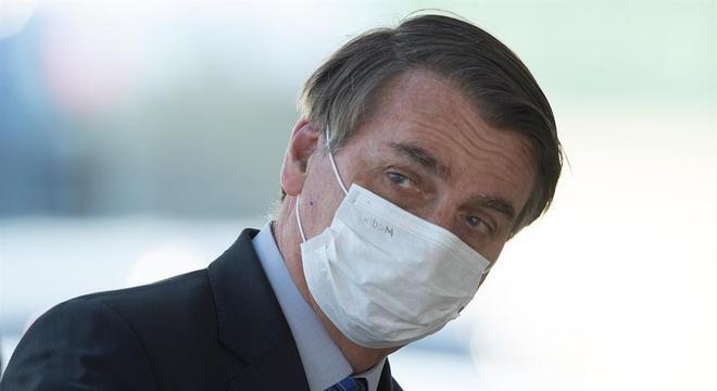 AGU recorre de liminar que obriga Bolsonaro a usar máscara