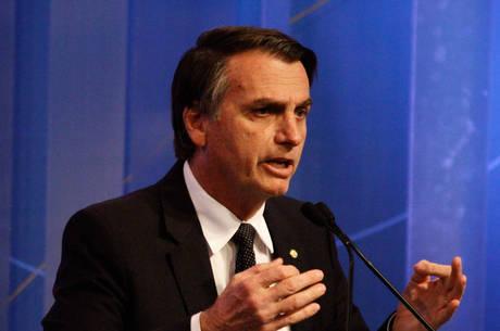 Bolsonaro propõe mudanças na base curricular