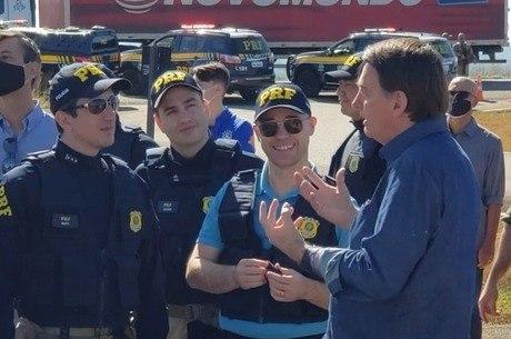 Bolsonaro acompanha a operação Tamoio em Abadiânia (GO)