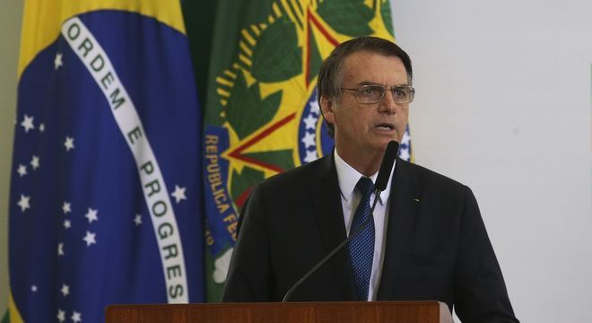 Jair Bolsonaro (PSL) assinou MP do ensino domiciliar nesta quinta (11)