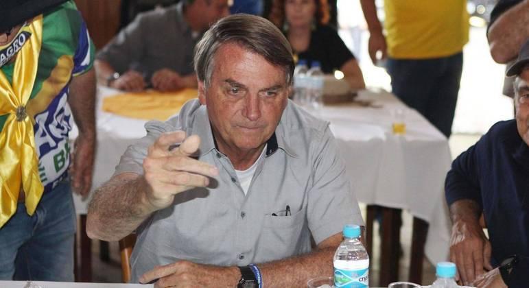 Bolsonaro disse que vai participar de marcha contra medidas de isolamento social