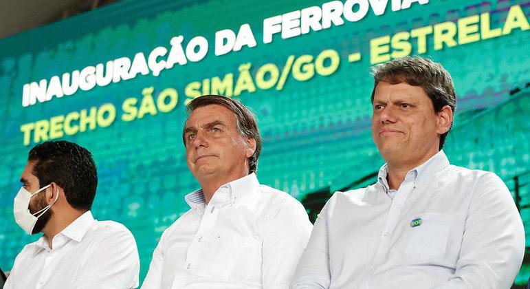 Governadores de 14 estados pedem a Bolsonaro urgência na compra de vacinas