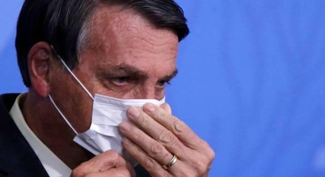 Dos 12 candidatos a prefeito apoiados por Bolsonaro, apenas quatro se elegeram ou chegaram ao segundo turno