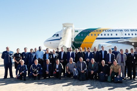 Bolsonaro desembarcou em Brasília hoje