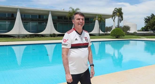 Bolsonaro teria se acidentado no Palácio da Alvorada, em Brasília