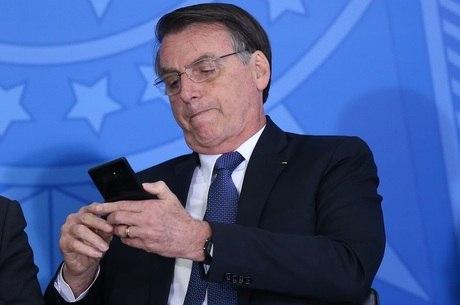 """Bolsonaro: """"Quem vai decidir sobre o 5G sou eu"""""""