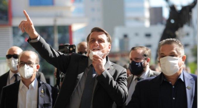 O presidente Jair Bolsonaro e o ministro da saúde, Marcelo Queiroga, visitam Chapecó (SC)
