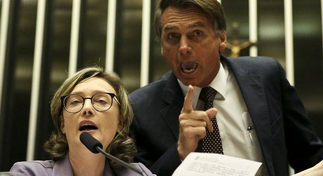 """Bolsonaro disse que não """"estupraria"""" Maria do Rosário pois ela não mereceria"""