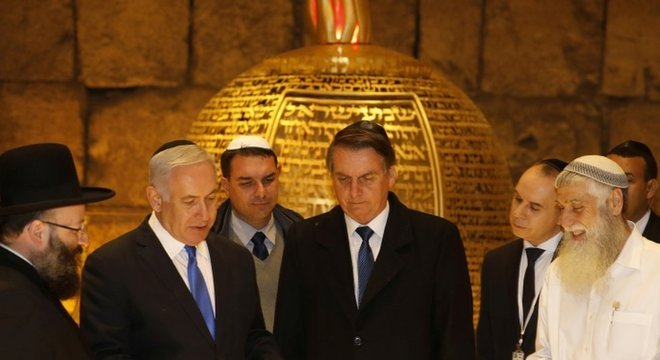 Bolsonaro com Netanyahu em Jerusalém; premiê israelense passará por eleições cruciais dentro de poucos dias
