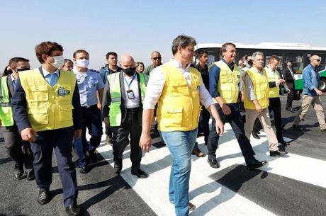 Na imagem, Bolsonaro no aeroporto de Congonhas (SP)