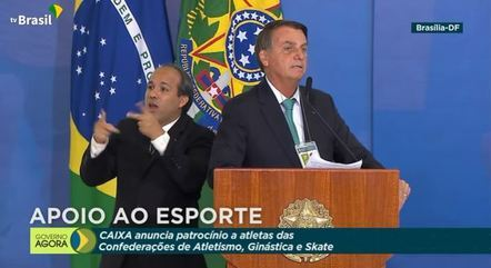 Bolsonaro durante anúncio de patrocínio de R$ 82 milhões da Caixa ao esporte brasileiro